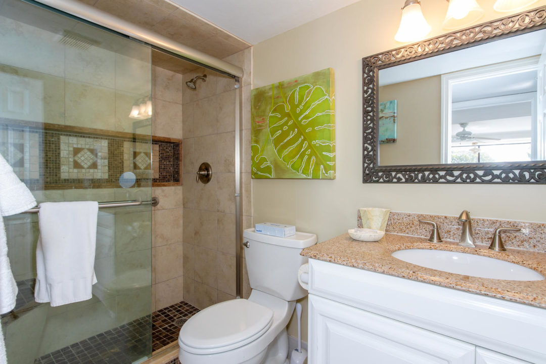 B307 Bathroom